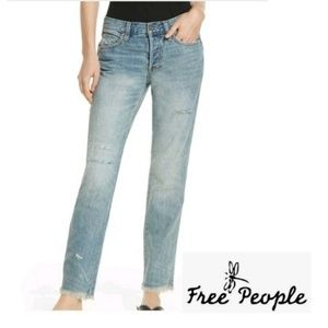 FREE PEOPLE Frayed Distressed high rise jeans 29